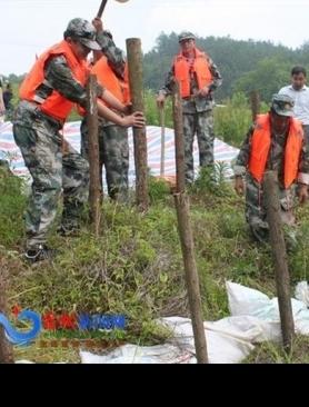 县人武部和县防汛办联合开展防汛救灾和撤离